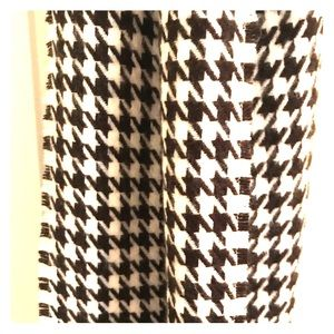 Houndstooth Fleece Scarf